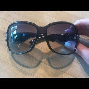 """JACKIE O"" GUCCI SUNGLASSES"